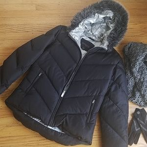 Express Puffer Jacket with Faux Fur Hood